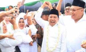 Ketua Partai Kebangkitan Bangsa (PKB) Muhaimin Iskandar (kedua dari kanan) hadir dalam kegiatan Nusantara Mengaji di Pekalongan, Sabtu (18/11/2017). (Twiiter.com-@sfi_aimn)