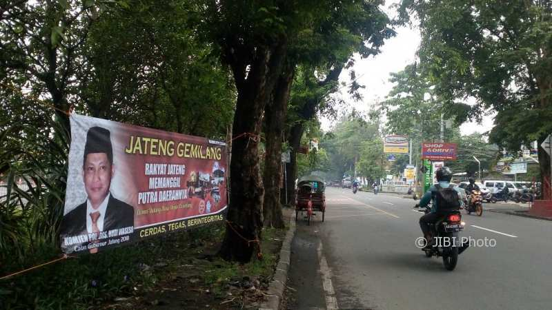 Spanduk dukungan Budi Waseso maju cagub di Pilgub Jateng terpasang di Jl.Bhayangkara, Tipes, Serengan, Jumat (1/12). (Muhammad Ismail/JIBI/Solopos)