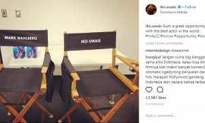Iko Uwais memamerkan proyek terbarunya bersama Mark Wahlberg (Instagram @iko.uwais)