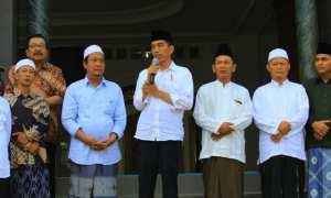 Presiden Jokowi memberi sambutan di Ponpes Tremas di Desa Tremas, Arjosari, Pacitan, Sabtu (9/12/2017) sore . (Abdul Jalil/JIBI/Madiunpos.com)