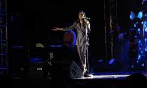 Raisa dalam konser Milad Ke-60 SMA Batik 1 Solo di GOR Sritex Arena, Sabtu (9/11/2017) malam. (Ika Yuniati/JIBI/Solopos)