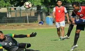 Pemain PSIS Semarang berlatih di Lapangan Terang Bangsa, Kota Semarang, Jateng, Sabtu (23/12/2017). (Instagram-@psisfcofficial)