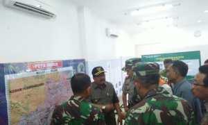 Gubernur Jawa Timur, Soekarwo mendatangi markas BPBD di Kampus AKN Pacitan, Jumat (1/12/2017). (Abdul Jalil/JIBI/Madiunpos.com)