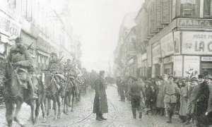 Pasukan Jerman memasuki Kota Burcarest, Rumania, 6 Desember 1916. (Wikimedia.org)