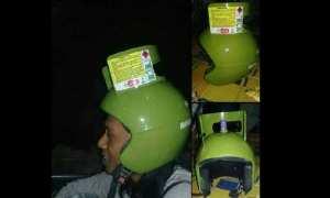 Foto viral modifikasi helm tabung gas. (Istimewa/Meme Comic Jawa)
