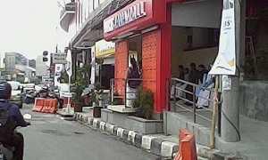 Halte BRT Trans Semarang di depan Java Mall yang sudah bersih dari parkir liar. (Facebook.com-Aris Wis)