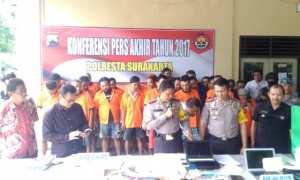 Acara pers rilis kasus akhir tahun 2017 di Mapolresta Surakarta (Solo), Jumat (29/12/2017). (Muhammad Ismail/JIBI/Solopos)