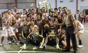 Tim basket Udinus merayakan gelar juara di Porsimaptar 2017. (JIBI/Semarngpos.com/Istimewa)