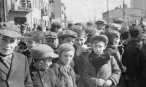 Anak-anak yang tinggal di Gettho Lodz, Polandia, 1940. (Wikimedia.org)