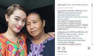 Foto Zaskia Gotik dan ibunya (Instagram @zaskia_gotix)