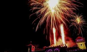 Suasana pesta kembang api di The Lost World Castle, dusun Petung, Kepuharjo, Cangkringan, Senin (1/1/2018). (Ist/Dok The Lost World Castle)