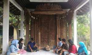 Disbud Sleman mengunjungi Pintu Gerbang Majapahit, Rendole Muktiharjo Margorejo, Pati, Sabtu (20/1/2018). (IST/Dok Disbud Sleman)