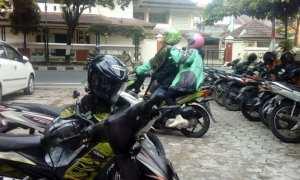 Pasangan ojol yang rutin menyisihkan penghasilannya ke Rumah Zakat Yogyakarta (Twitter)