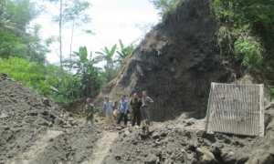 Sejumlah warga mendatangi lokasi penambangan batu dan pasir di Dusun Gondoarum, Desa Wonokerto, Kecamatan Turi, Rabu (24/1/2018) (Irwan A. Syambudi/JIBI/Harian Jogja)