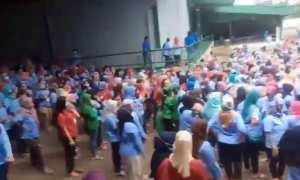 Ratusan pekerja pabrik di Sukabumi dievakuasi setelah terjadi gempa (Twitter)