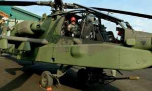 Danpuspenerbad Mayjen TNI Besar Harto Karyawan berada di dalam helikopter AH-64 Apache, di Markas Skadron 11/Serbu Penerbad Semarang, Jateng, Kamis (4/1/2018). (JIBI/Solopos/Antara/R. Rekotomo)