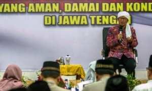 Dai kondang, K.H. Abdullah Gymnastiar atau Aa Gym, tampil dalam Doa Bersama Pilkada Serentak 2018 Jateng di Mapolda Jateng di Kota Semarang, Jumat (19/1/2018). (JIBI/Solopos/Antara/Aji Styawan)