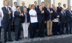 Wali Kota Semarang Hendrar Prihadi berfoto bersama 12 duta besar dari negara-negara Uni Eropa yang berkunjung ke Kota Semarang, Jateng, Rabu (24/1/2018). (JIBI/Solopos/Antara/Zuhdiar Laeis)