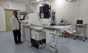 Dokter Spesialis Radiologi Intervensi dari Rumah Sakit Indriati Solo Baru Sukoharjo, dr. Prasetyo Sarwono Putro, Sp.Rad (K)RI saat berada di Cathlab RS Indriati Solo Baru Sukoharjo. (Shoqib Angriawan/JIBI/Solopos)