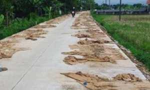 Jalan rusak yang sudah diperbaiki di Desa Tratemulyo, Kecamatan Weleri, Kabupaten Kendal, Jateng. (Instagram-@dr.mirnaannisa)