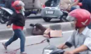 Jasad pelajar SMP 39 Kota Semarang, Reyhan, tergeletak di tengah lalu lintas kawasan Sukun, Banyumanik, Kota Semarang, Jateng, Jumat (26/1/2018). (Facebook.com-Jank Scoot)