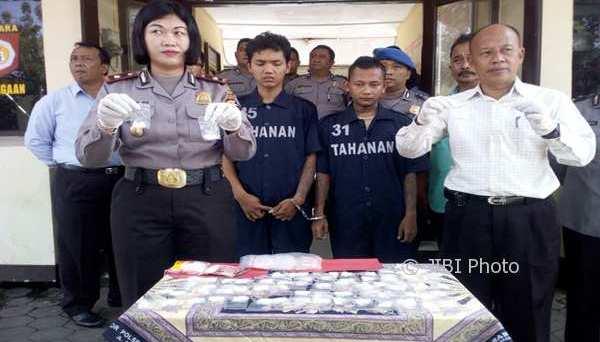 Pil koplo Semarang.