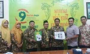 Sejumlah panitia Milad ke-51 SD Muhammadiyah Pakel saat berkunjung ke Harian Jogja, Kamis (4/1/2018). (Sunartono/Harian Jogja)