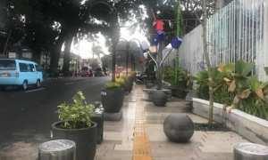 Salah satu trotoar di Kota Salatiga, Jateng yang penuh dengan hiasan. (Facebook.com?-Sigit Waryono)
