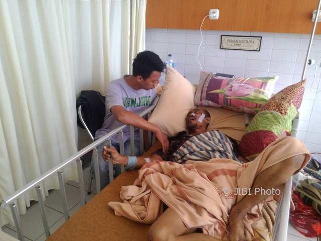 Yulianto, 53, korban lakalantas mengalami gegar otak di rawat di RS Kasih Ibu, Purwosari, Laweyan, Jumat (9/2/2018). (Muhammad Ismail/JIBI/Solopos)