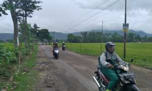Situasi jalan di Dukuh Lengkong, Desa Nanggulan, Kecamatan Cawas, Klaten, Rabu (14/2/2018). (Cahyadi Kurniawan/JIBI/Solopos)