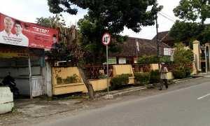 Spanduk dukungan pasangan cagub Jateng di dekat SDN 1 Serengan Jl. Pattimura, Minggu (19/2/2018). (Muhammad Ismail/JIBI/Solopos)