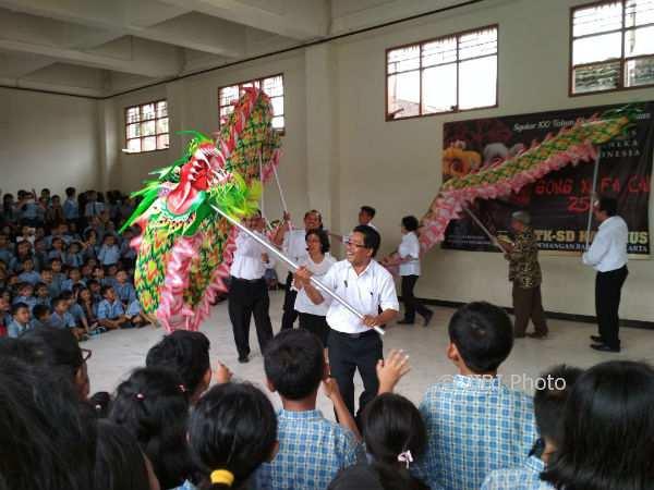 Pertunjukan barongsai dari kelompok Panbers di SD Kanisius Demangan Baru, Rabu (13/2/2018). (Sugeng Pranyoto/JIBI/Harian Jogja)