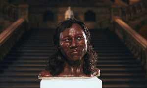 Cheddar Man yang diduga berkulit hitam (Reuters)