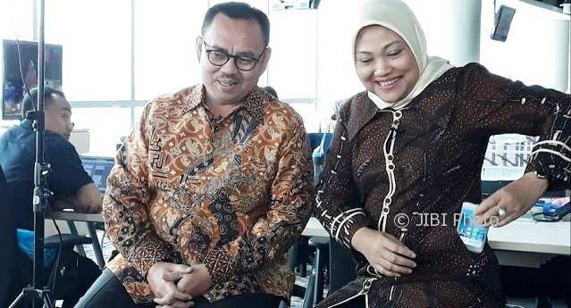 Sudirman Said (kiri) dan Ida Fauziyah (kanan) di kantor redaksi Liputan 6 yang diunggah Sudirman Said di Twitter, Selasa (14-2-2018). (Twitter-@sudirmansaid)