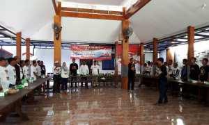 Garuda Mbedal (Gardal) Karanganyar melakukan konsolidasi sukarelawan dari 17 kecamatan, di salah satu rumah makan di Karanganyar, Sabtu (10/2/2018). (Sri Sumi Handayani/JIBI/SOLOPOS)