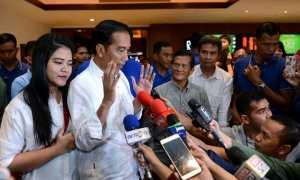 Presiden Jokowi menonton film Dilan 1990 (Setkab.go.id)