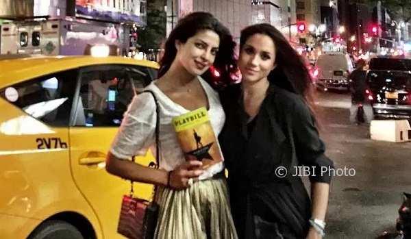 Priyanka Chopra dan Meghan Markle (People.com)