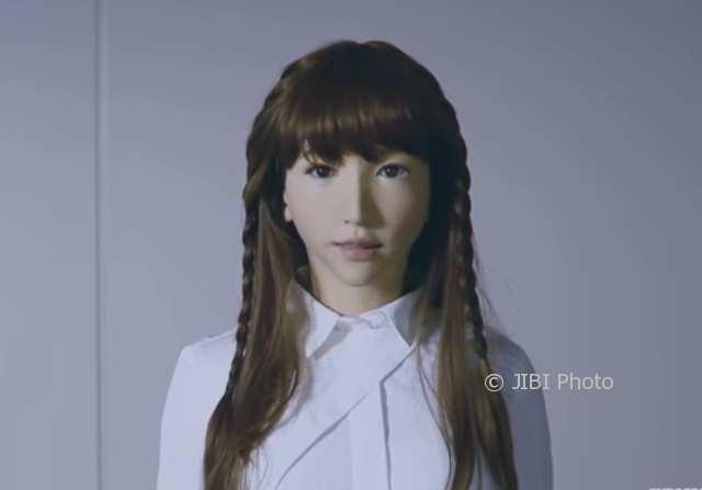 Robot Erica (Youtube)