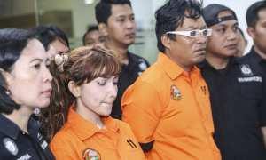 Roro Fitria bersama Tersangka WH di Polda Metro Jaya, Jakarta, Kamis (15/2/2018). (JIBI/Solopos/Antara/Elora)