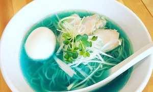 Sup berkuah biru di Jepang (Instagram @kipposhi21)