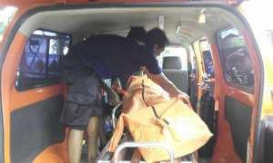 Mayat yang ditemukan di Pantai Pulang Sawal dibawa ke RSUD Wonosari, Kamis (1/2/2018). (IST/Dok Satlinmas Rescue Istimewa Wil 2 Gunungkidul)