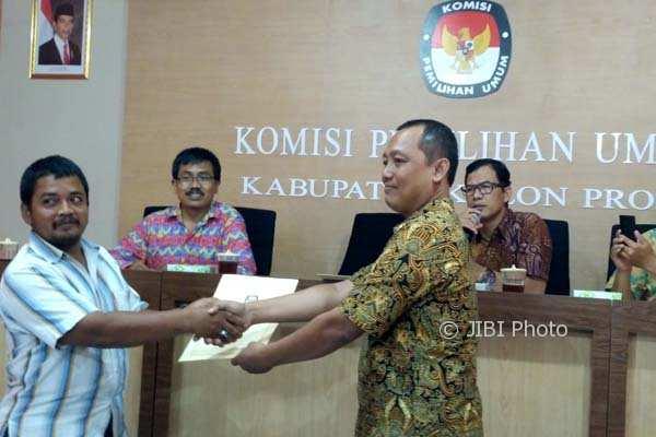 KPU Kulonprogo yang menyerahkan hasil verifikasi faktual kepada partai politik setelah menjalani pencocokan data riil dan Sipol, Jumat (2/2/2018). (Beny Prasetya/JIBI/Harian Jogja)