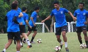 Tim PSIS Semarang kala berlatih di Lapangan Terang Bangsa, Kota Semarang, Jateng, Selasa (13/2/2018). (Instagram-@psisfcofficial)