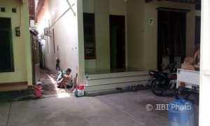 Rumah milik Andi Rodiyono yang diduga menjadi sarang kelompok aliran sesat di Pedurungan, Semarang, tampak sepi setelah digerebek polisi, Kamis (15/2/2018). (Imam Yuda S./JIBI/Semarangpos.com)