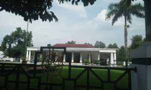 Kantor Bakorwil Madiun di Jl. Pahlawan, Kota Madiun, termasuk yang diusulkan jadi benda cagar budaya, Jumat (2/3/2017). (Abdul Jalil/JIBI/Madiunpos.com)