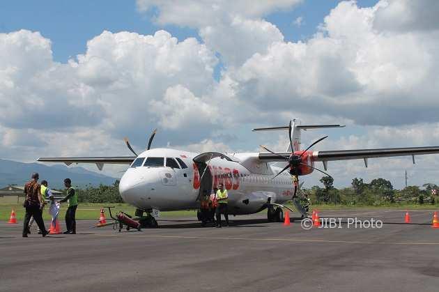 Pesawat Wings Air bersiap lepas landas di Bandara Adi Soemarmo, Solo, Rabu (28/3/2018). (Bayu Jatmiko Adi/JIBI/Solopos)