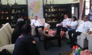 Wakil Wali Kota Madiun Armaya menemui perwakilan dari LSM Pedal yang berunjuk rasaterkait kasus aplikasi e-rapor yang melibatkan 55 kepala SDN di Kota Madiun, Rabu (14/3/2018). (Abdul Jalil/JIBI/Madiunpos.com)