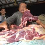 Razia daging glonggongan