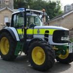 Traktor dijadikan mobil polisi