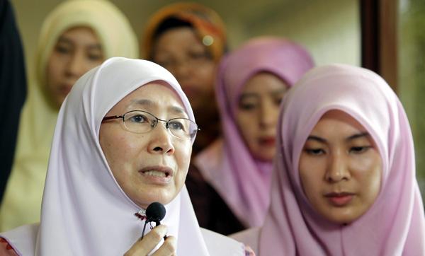 Wan Azizah Istri Anwar Ibrahim Jadi PM Malaysia Pengganti Mahathir Mohamad
